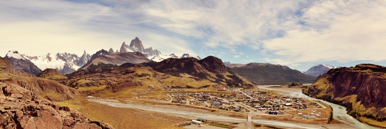 El_Chaltén,_panoramic_view1