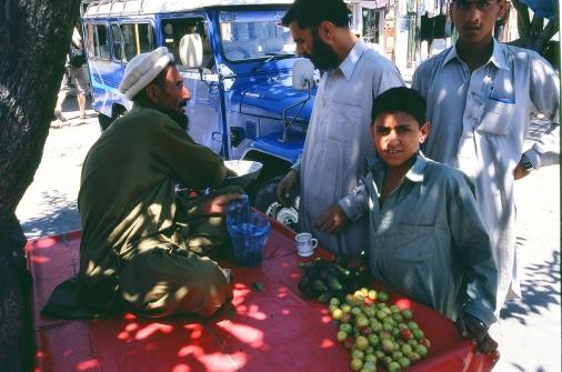 02.6b Karakorum hwy fruit salesman